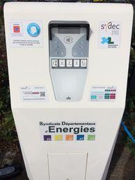 borne de recharge pour véhicule électrique et hybride