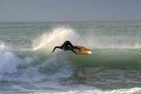 Vincent Duvignac, champion de surf, natif de Mimizan dans les Landes