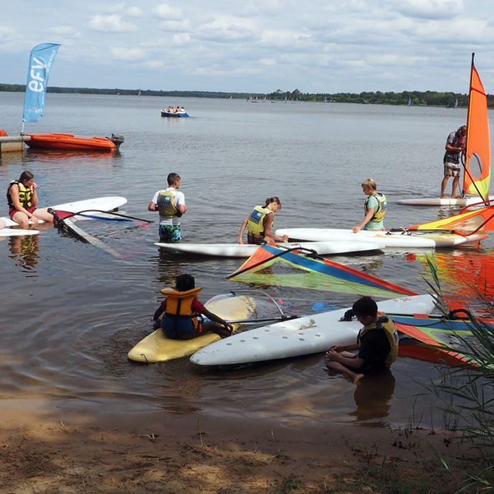 Activité enfants et famille au lac et à la plage à Mimizan