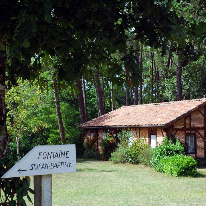 Les fontaines miraculeuses et le petit patrimoine à Mimizan