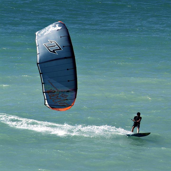 surf, kite surf, bodyboard, jet ski, char à voile à Mimizan Plage