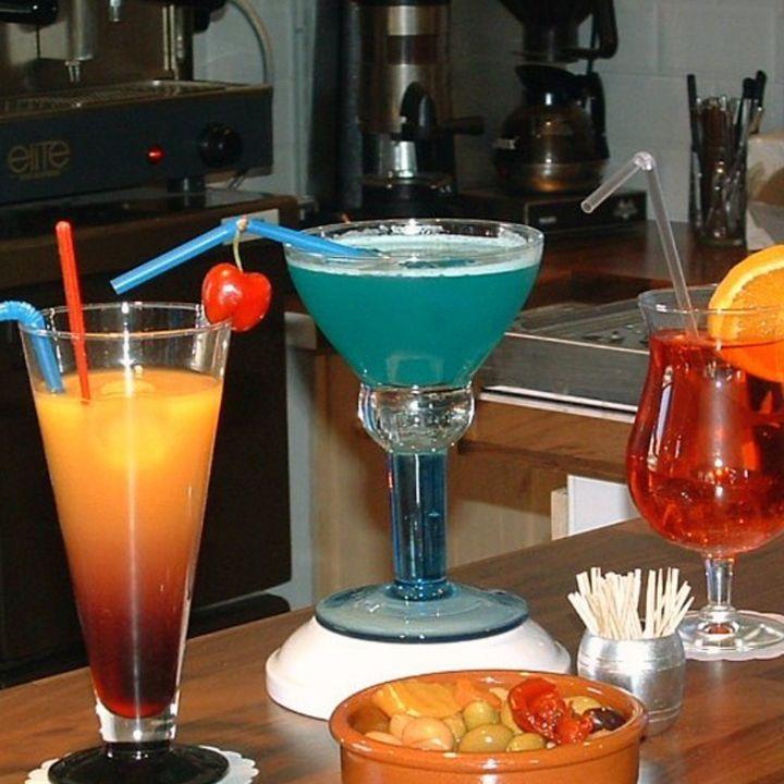 soirée dans les bars de mimizan et déguster du vin de la bière des cocktails