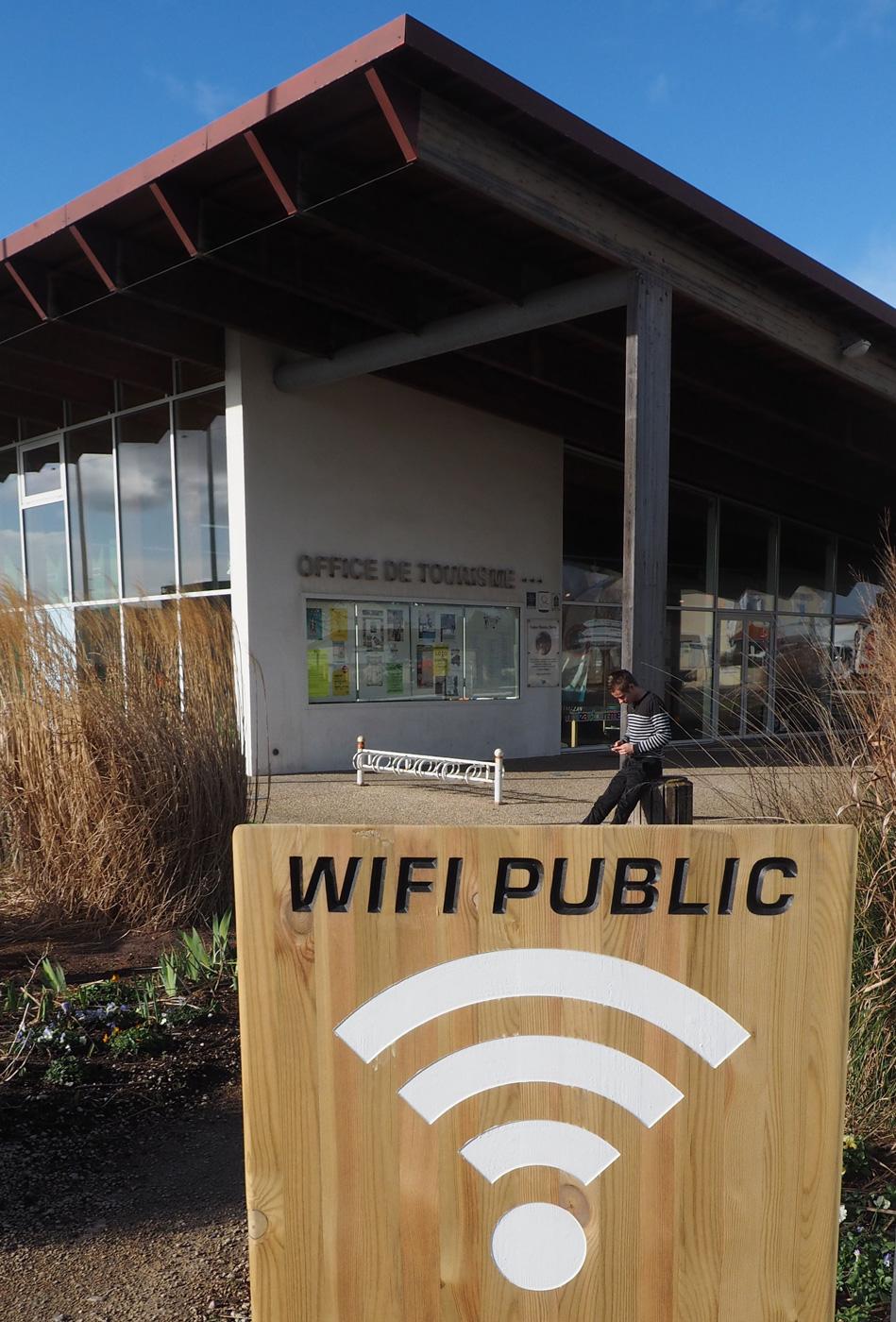 point wifi gratuit à l'office de tourisme et sur Mimizan plage et centre ville hotspots sur Aureilhan Saint Paul en Born Pontenx les Forges Bias Mézos