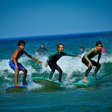 Ecole de surf Silver Coast  in MIMIZAN PLAGE