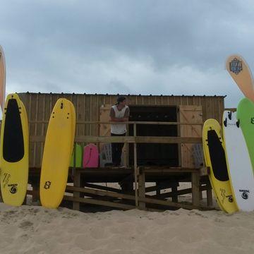 Ecole de surf Watu Surf School  en MIMIZAN PLAGE