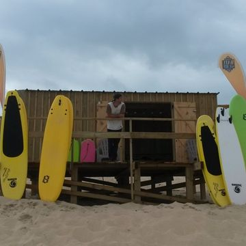 Ecole de surf Watu Surf School  à MIMIZAN PLAGE