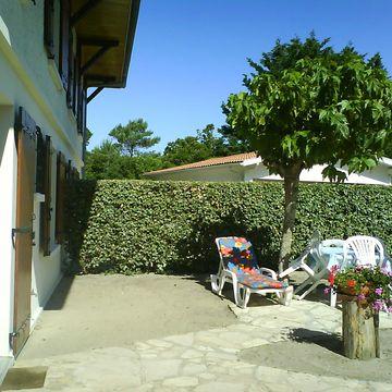 Renting Cérantola Yvonne - APPT EST Apartment persons 4 in MIMIZAN PLAGE