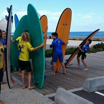 Ecole de surf Quiksilver la Garluche  in MIMIZAN PLAGE