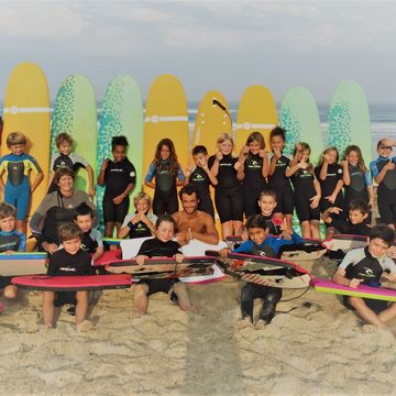 Ecole de surf Maeva Surf Club  in MIMIZAN PLAGE