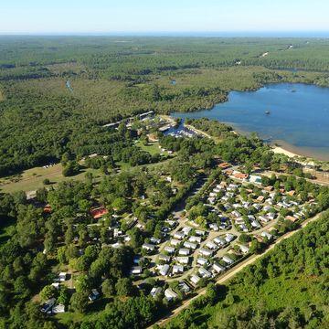 Camping Municipal du Lac 3 étoiles à SAINTE-EULALIE-EN-BORN