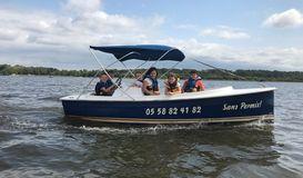 Cercle Nautique de Mimizan- Pédalo bateaux electriques à MIMIZAN (40)