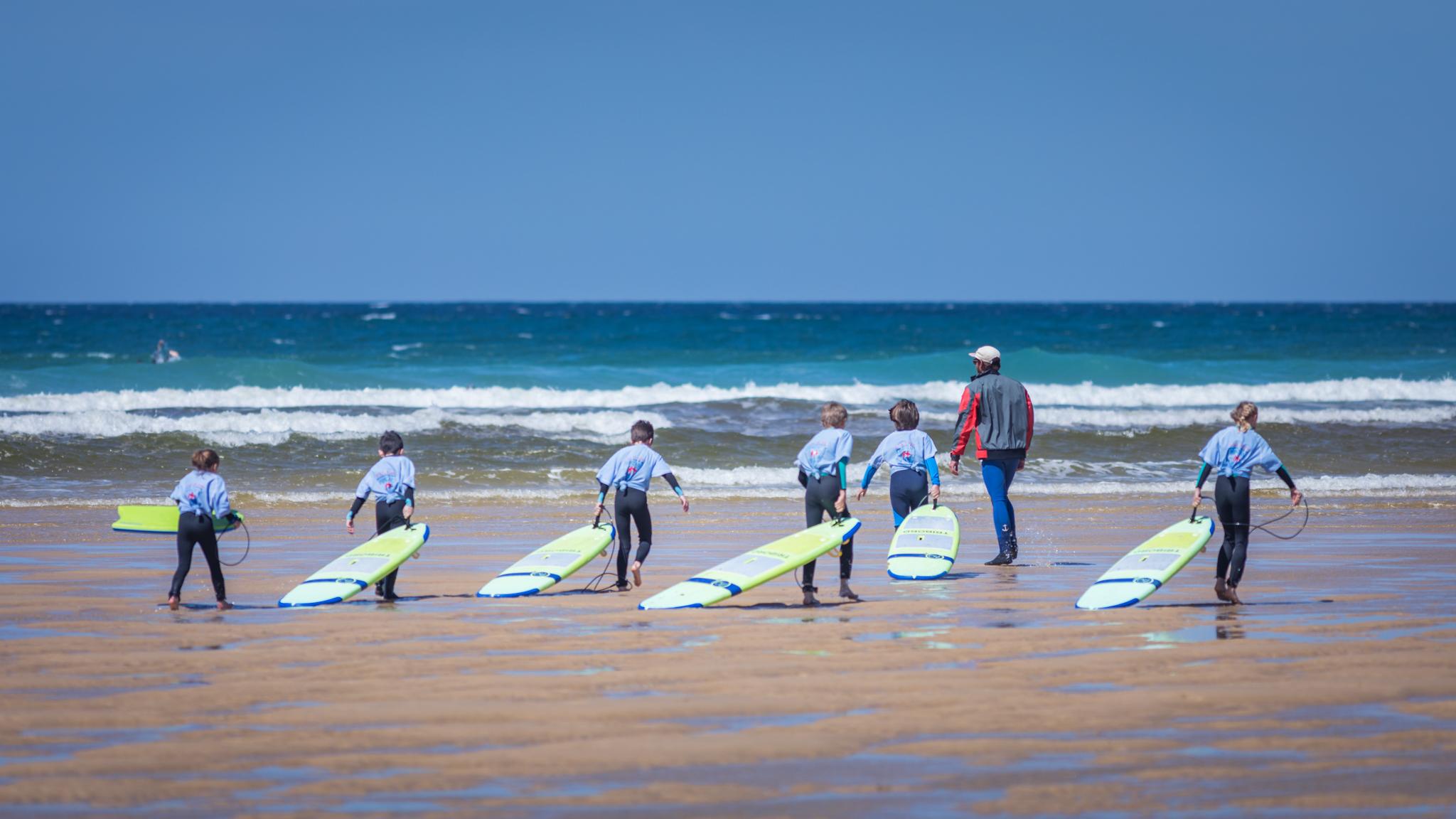 """Activité Enfant : Initiation au surf ou au bodyboard """"Mimizan Surf Academy"""""""